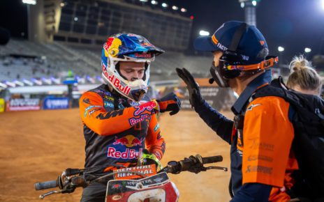 Cooper Webb Retakes Momentum in the Final Laps of the Atlanta Supercross