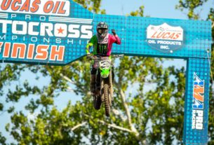 Eli Tomac rides to his first victory of the 2021 Lucas Oil Pro Motocross season at Ironman Raceway. Photo by Align Media.