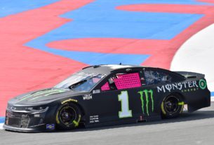 Kurt Busch introduces pink window net for breast cancer awareness in the NASCAR Cup Series race at the 2021 ROVAL at Charlotte Motor Speedway. Photo by Nigel Kinrade Photography.